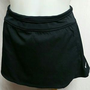 Nike Women Size XL Swim Skort Built-in bikini